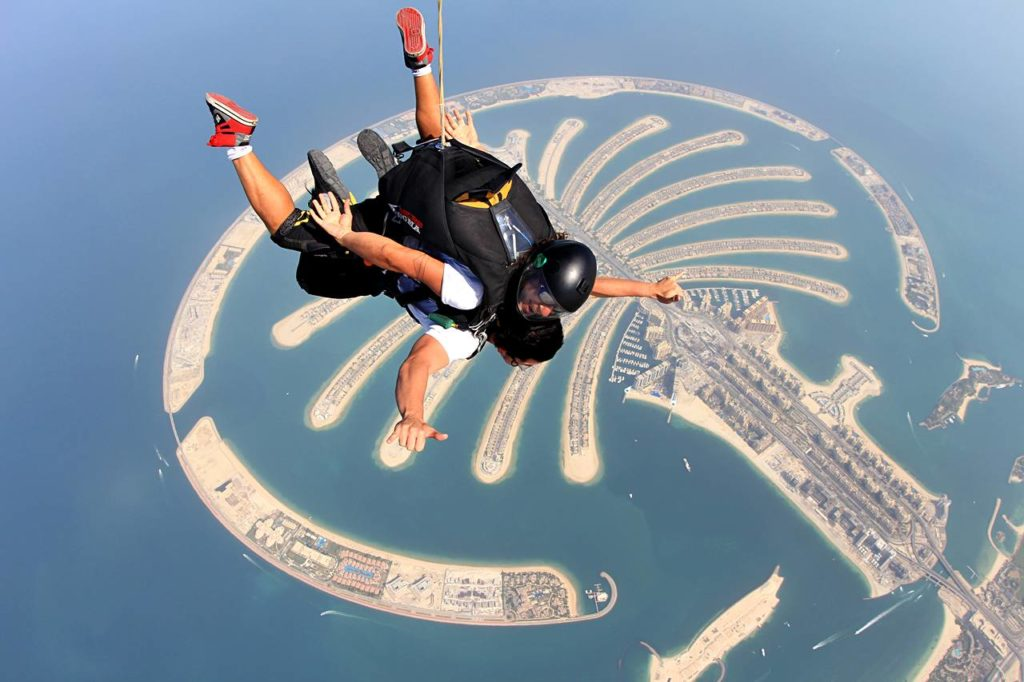 The Thrill of Tandem Skydiving in Dubai