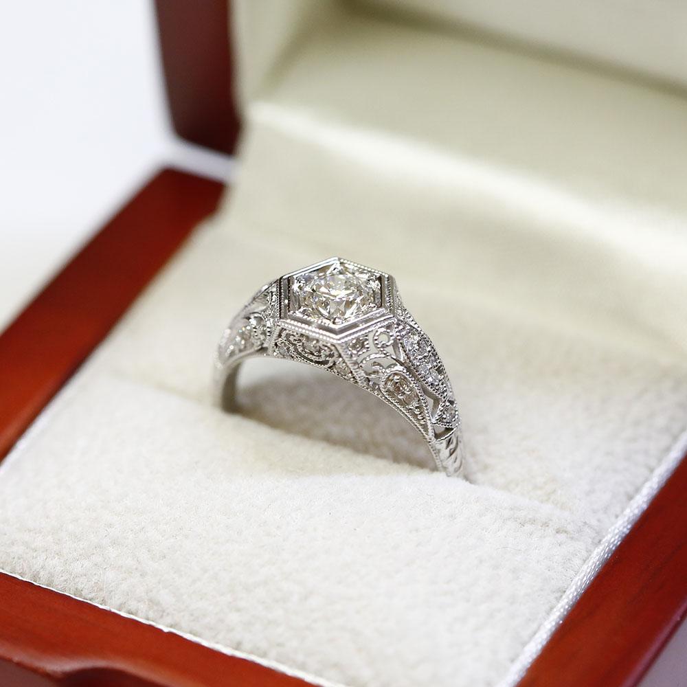 The Benefits of Choosing Vintage Engagement Rings